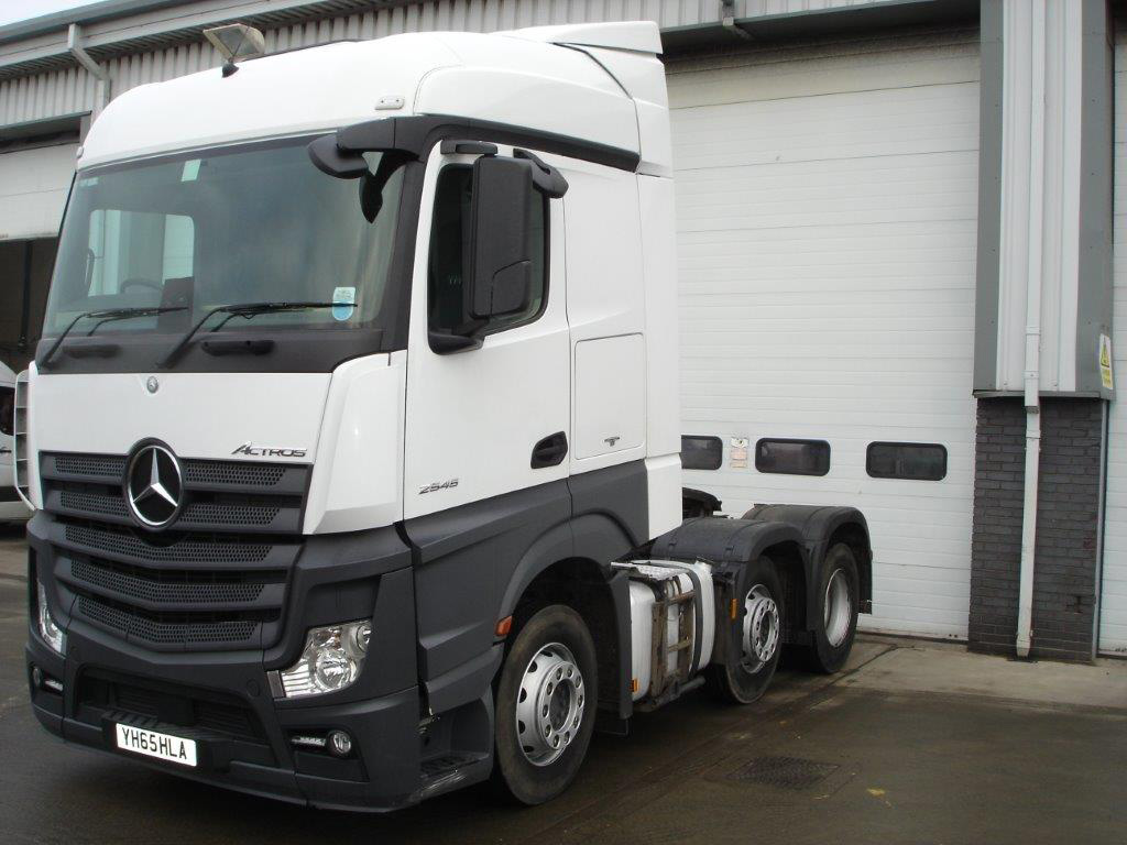 Mercedes benz actros 2545ls tractor unit bell truck and van for Mercedes benz tractors