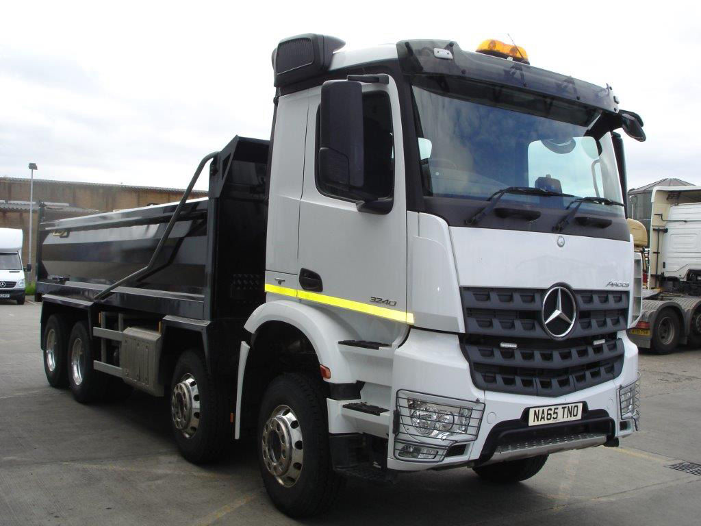 Mercedes-Benz Arocs 3240K Tipper