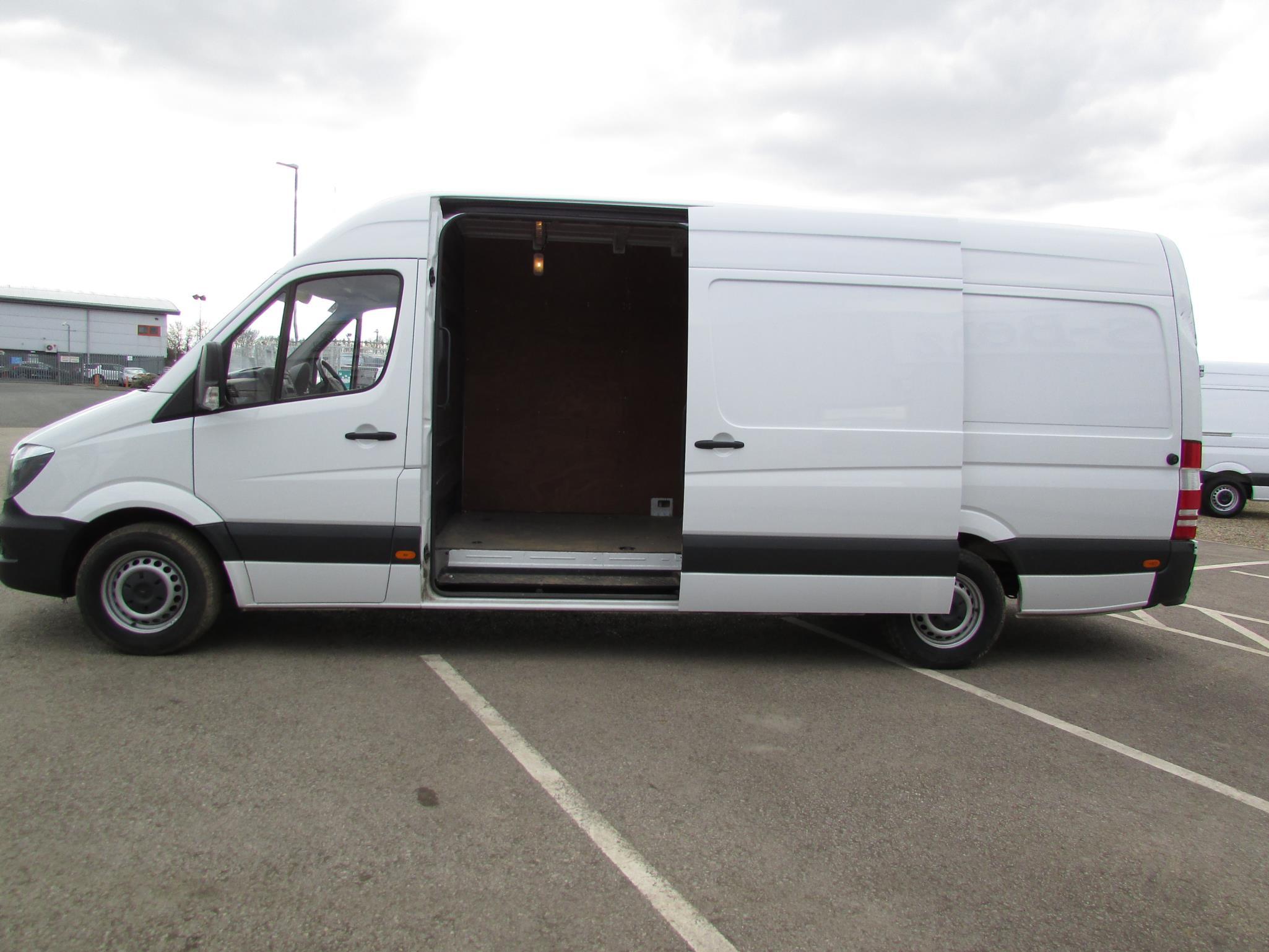Mercedes benz sprinter 313cdi van bell truck and van for Mercedes benz commercial vans